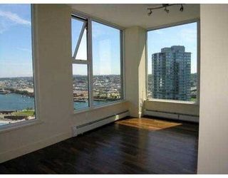"Photo 4: 3007 1009 EXPO BV in Vancouver: Downtown VW Condo for sale in ""LANDMARK 33"" (Vancouver West)  : MLS®# V549103"