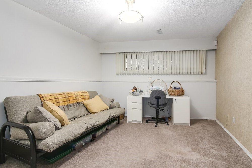 Photo 15: Photos: 208 54 STREET in Delta: Pebble Hill House for sale (Tsawwassen)  : MLS®# R2216720