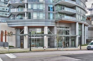 """Photo 13: 3305 2008 ROSSER Avenue in Burnaby: Brentwood Park Condo for sale in """"Solo District"""" (Burnaby North)  : MLS®# R2420827"""