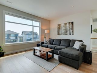 Photo 3: 2379 Azurite Cres in : La Bear Mountain House for sale (Langford)  : MLS®# 881405