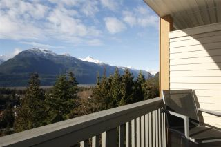 "Photo 3: 11 1026 GLACIER VIEW Drive in Squamish: Garibaldi Highlands Townhouse for sale in ""Seasons View"" : MLS®# R2326220"
