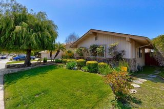 Photo 2: CARLSBAD SOUTH House for sale : 4 bedrooms : 7637 Cortina Ct in Carlsbad