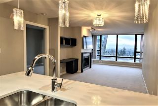 """Photo 2: 904 7328 ARCOLA Street in Burnaby: Highgate Condo for sale in """"Esprit 1"""" (Burnaby South)  : MLS®# R2527920"""