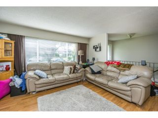 """Photo 3: 34564 HURST Crescent in Abbotsford: Abbotsford East House for sale in """"Robert Bateman"""" : MLS®# R2075159"""