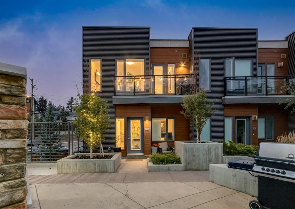Main Photo: 1 71 34 Avenue SW in Calgary: Parkhill Row/Townhouse for sale : MLS®# A1142170