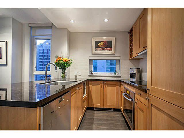"""Photo 6: Photos: 1808 821 CAMBIE Street in Vancouver: Downtown VW Condo for sale in """"RAFFLES ON ROBSON"""" (Vancouver West)  : MLS®# V1125986"""