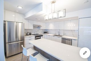"Photo 3: 1405 1060 ALBERNI Street in Vancouver: West End VW Condo for sale in ""The Carlyle"" (Vancouver West)  : MLS®# R2563377"
