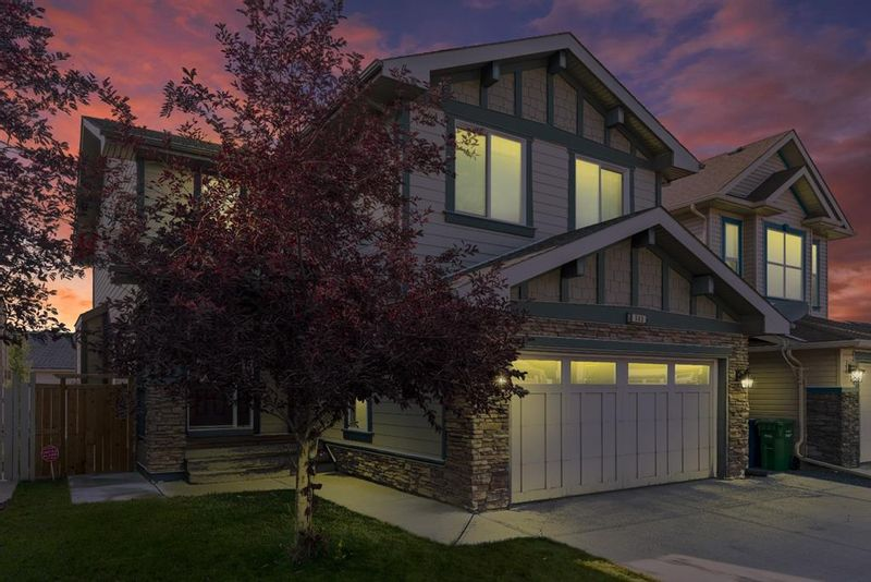 FEATURED LISTING: 263 Kingsbury View Southeast Airdrie