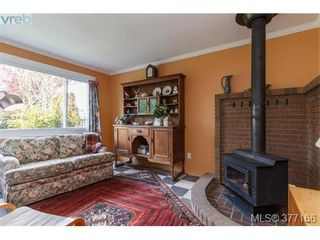 Photo 4: 9951 Bessredge Pl in SIDNEY: Si Sidney North-East House for sale (Sidney)  : MLS®# 757206