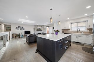 Photo 15: 224 Norseman Road NW in Calgary: North Haven Upper Detached for sale : MLS®# A1107239