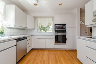 Photo 3: 968 CHARLAND Avenue in Coquitlam: Central Coquitlam 1/2 Duplex for sale : MLS®# R2114374