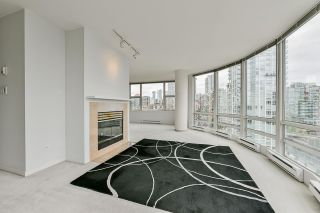 """Photo 7: 2002 1500 HORNBY Street in Vancouver: Yaletown Condo for sale in """"888 BEACH"""" (Vancouver West)  : MLS®# R2461920"""