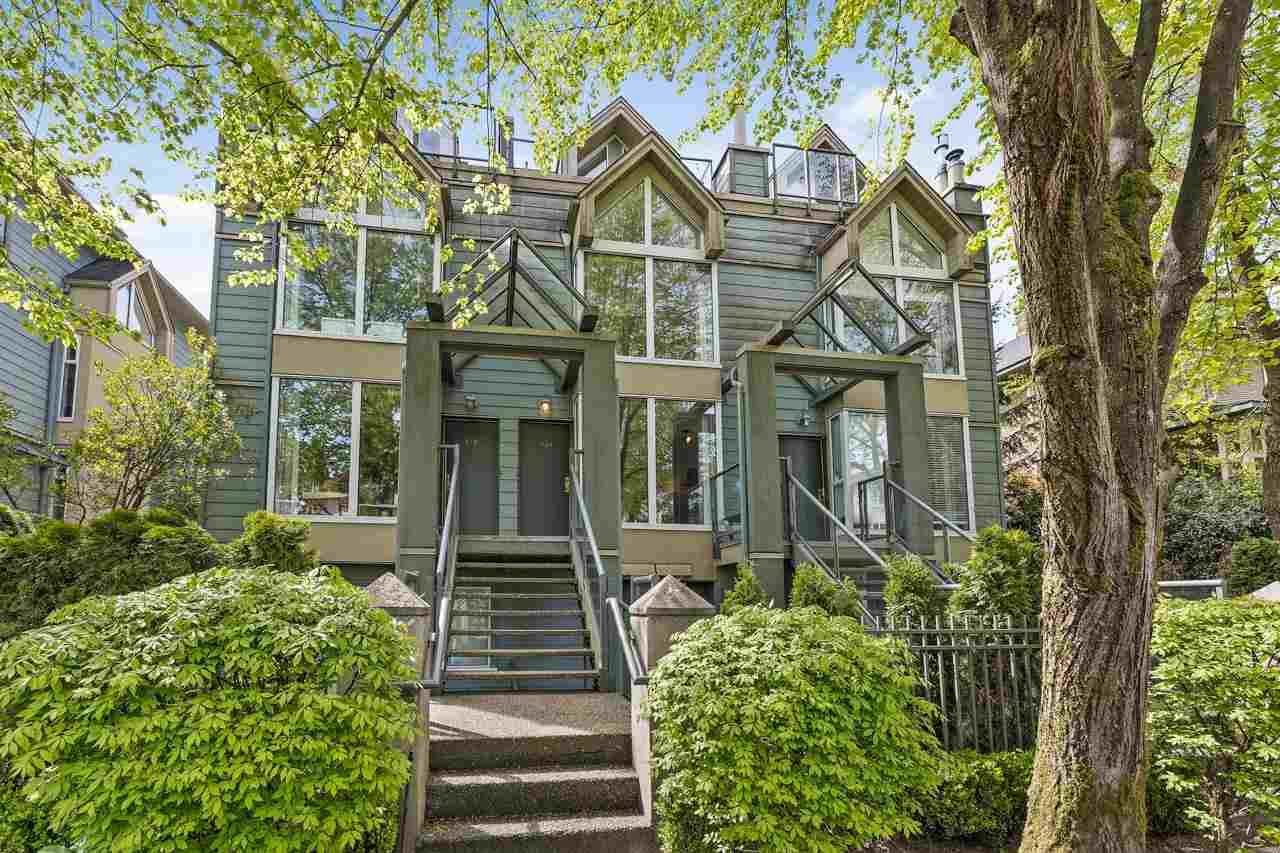 """Main Photo: 930 W 14TH Avenue in Vancouver: Fairview VW Townhouse for sale in """"Fairview Court"""" (Vancouver West)  : MLS®# R2574639"""