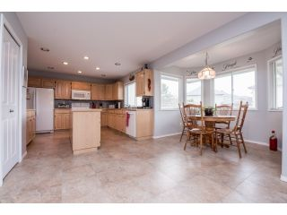 """Photo 7: 6248 190 Street in Surrey: Cloverdale BC House for sale in """"Cloverdale"""" (Cloverdale)  : MLS®# R2070810"""