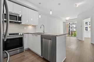 """Photo 5: 215 20696 EASTLEIGH Crescent in Langley: Langley City Condo for sale in """"The Georgia"""" : MLS®# R2598741"""