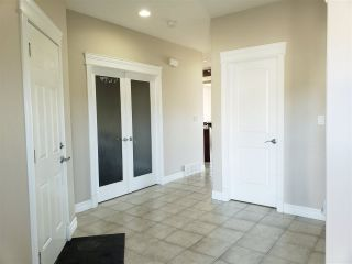 Photo 3: 5305 164 Avenue in Edmonton: Zone 03 House for sale : MLS®# E4236066
