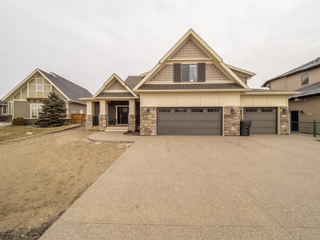 Main Photo: 180 Canyoncrest Point W in Lethbridge: Paradise Canyon Residential for sale : MLS®# A1063910