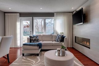 Photo 3: 2 708 2 Avenue NW in Calgary: Sunnyside Row/Townhouse for sale : MLS®# A1109331