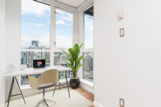 """Photo 17: 2404 1155 SEYMOUR Street in Vancouver: Downtown VW Condo for sale in """"BRAVA TOWERS"""" (Vancouver West)  : MLS®# R2618901"""