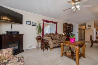 """Photo 4: 29 41168 LOUGHEED Highway in Mission: Dewdney Deroche Manufactured Home for sale in """"OASIS COUNTRY ESTATES"""" : MLS®# R2042355"""