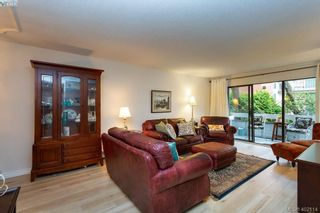 Photo 3: 206 2095 Oak Bay Ave in VICTORIA: OB South Oak Bay Condo for sale (Oak Bay)  : MLS®# 802450