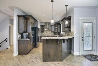 Photo 3: 46 West Cedar Place SW in Calgary: West Springs Detached for sale : MLS®# A1112742