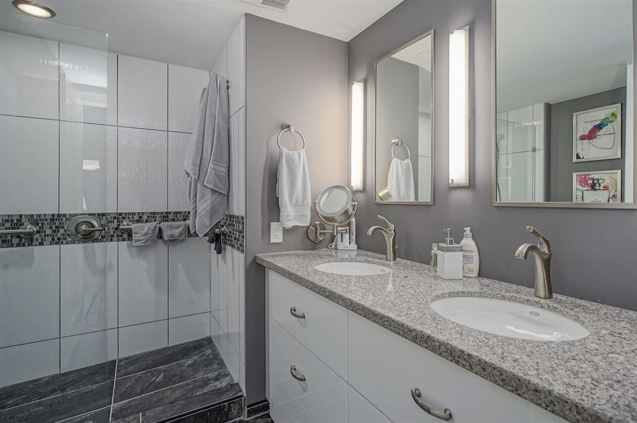 """Photo 19: Photos: 204 1441 BLACKWOOD Street: White Rock Condo for sale in """"the """" Capistrano """""""" (South Surrey White Rock)  : MLS®# R2390737"""