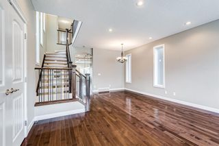 Photo 3: 2219 32 Avenue SW in Calgary: Richmond Detached for sale : MLS®# A1145673