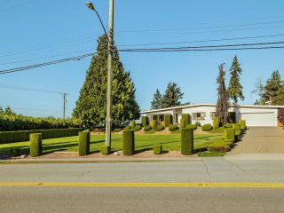 """Photo 2: 5499 120 Street in Delta: Sunshine Hills Woods House for sale in """"PANORAMA RIDGE"""" (N. Delta)  : MLS®# R2614344"""
