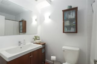 """Photo 10: 304 330 E 7TH Avenue in Vancouver: Mount Pleasant VE Condo for sale in """"Landmark Belevedere"""" (Vancouver East)  : MLS®# R2446151"""