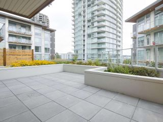 "Photo 8: 107 1768 GILMORE Avenue in Burnaby: Brentwood Park Condo for sale in ""Escala"" (Burnaby North)  : MLS®# R2398718"