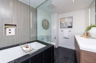 """Photo 21: 2306 777 RICHARDS Street in Vancouver: Downtown VW Condo for sale in """"TELUS GARDEN"""" (Vancouver West)  : MLS®# R2512538"""