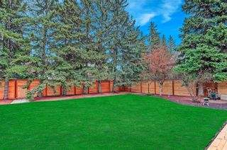 Photo 2: 3136 LINDEN Drive SW in Calgary: Lakeview Detached for sale : MLS®# C4246154