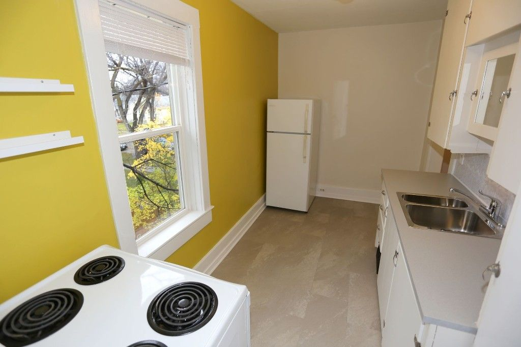 Photo 12: Photos: 626 Greenwood Place in Winnipeg: West End Duplex for sale (5C)  : MLS®# 1728014