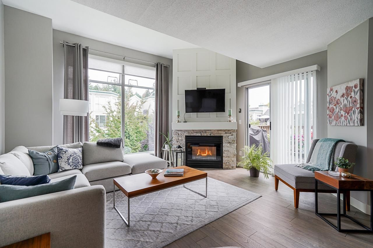 """Main Photo: 305 19131 FORD Road in Pitt Meadows: Central Meadows Condo for sale in """"Woodford Manor"""" : MLS®# R2603736"""