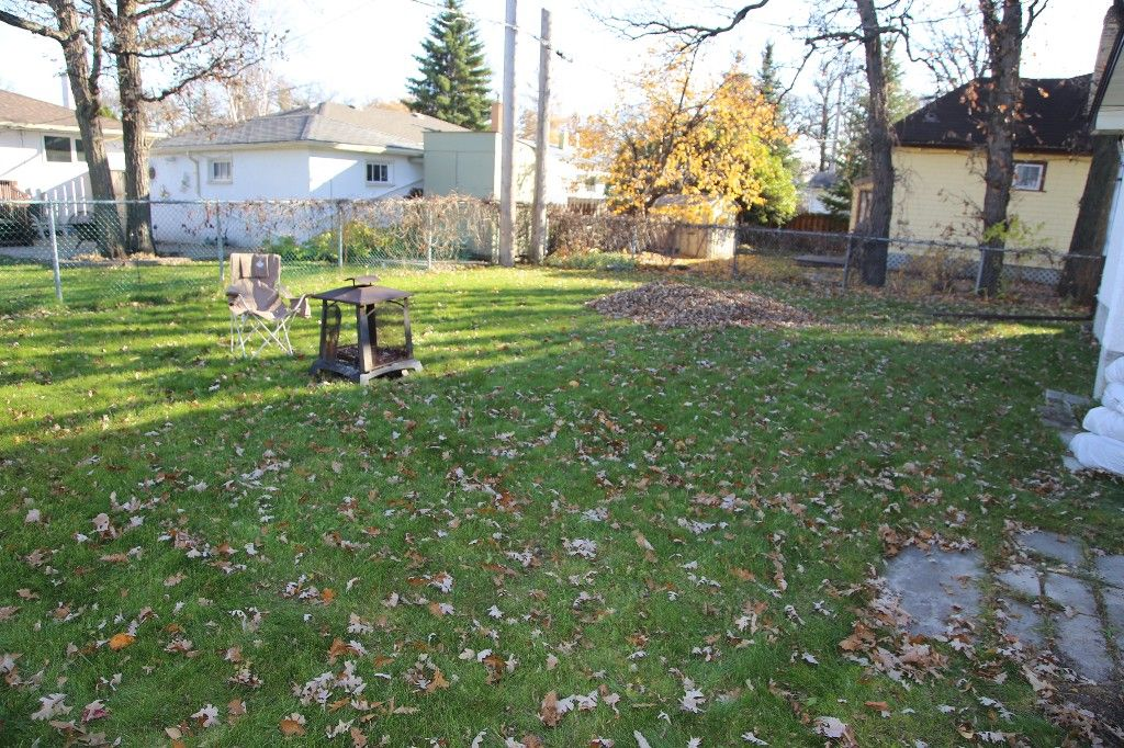Photo 44: Photos: 407 Wallasey Street in WINNIPEG: Grace Hospital Area Single Family Detached for sale (West Winnipeg)  : MLS®# 1426170