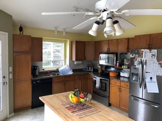Photo 3: 20 Deerbourne Drive in St. Albert: Townhouse for rent