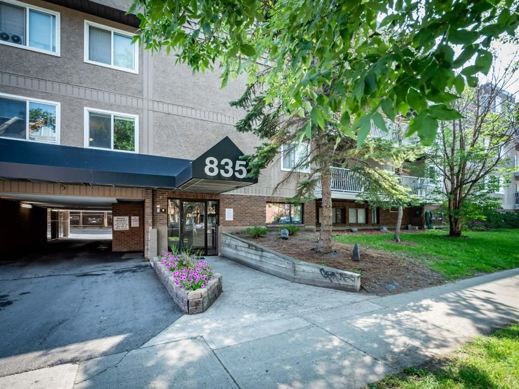 Main Photo: 208 835 19 Avenue SW in Calgary: Lower Mount Royal Apartment for sale : MLS®# A1131295