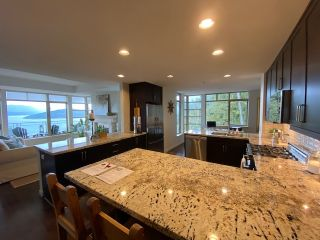 "Photo 20: 8745 SEASCAPE Drive in West Vancouver: Howe Sound Townhouse for sale in ""Seascapes"" : MLS®# R2546161"