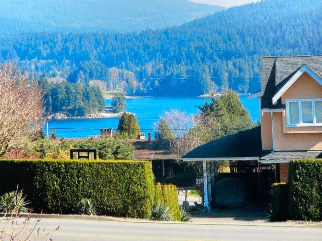 Main Photo: 587 N DOLLARTON Highway in North Vancouver: Dollarton House for sale : MLS®# R2574951