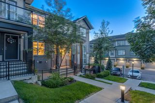 Main Photo: 906 Mckenzie Towne Manor SE in Calgary: McKenzie Towne Row/Townhouse for sale : MLS®# A1143205