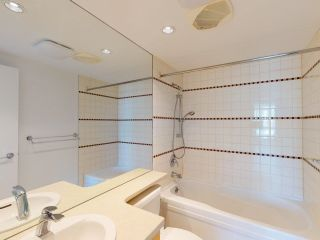 """Photo 22: 2607 1033 MARINASIDE Crescent in Vancouver: Yaletown Condo for sale in """"QUAY WEST"""" (Vancouver West)  : MLS®# R2604092"""