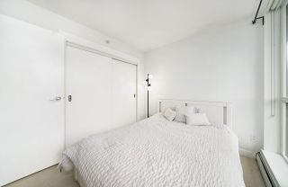 """Photo 3: 502 10777 UNIVERSITY Drive in Surrey: Whalley Condo for sale in """"City Point"""" (North Surrey)  : MLS®# R2583911"""