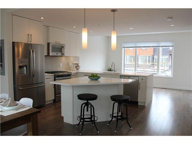 "Main Photo: # SL 21 41488 BRENNAN RD in Squamish: Brackendale 1/2 Duplex for sale in ""RIVENDALE"" : MLS®# V1006904"