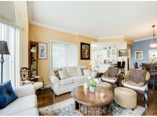 """Photo 5: 404 1785 MARTIN Drive in Surrey: Sunnyside Park Surrey Condo for sale in """"SOUTHWYND"""" (South Surrey White Rock)  : MLS®# F1412611"""