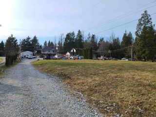 Photo 3: 8681 DEWDNEY TRUNK Road in Mission: Mission BC House for sale : MLS®# R2618909