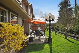Photo 3:  in ParksField: Home for sale : MLS®# R2044624