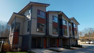 """Photo 20: 8 38684 BUCKLEY Avenue in Squamish: Dentville Townhouse for sale in """"Newport Landing"""" : MLS®# R2613322"""