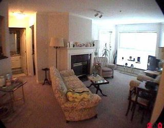 "Photo 3: 301 7435 121A ST in Surrey: West Newton Condo for sale in ""STRAWBERRY HILL"" : MLS®# F2523224"