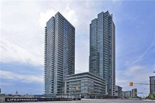 Photo 1: 207 4070 Confederation Parkway in Mississauga: City Centre Condo for sale : MLS®# W3283555